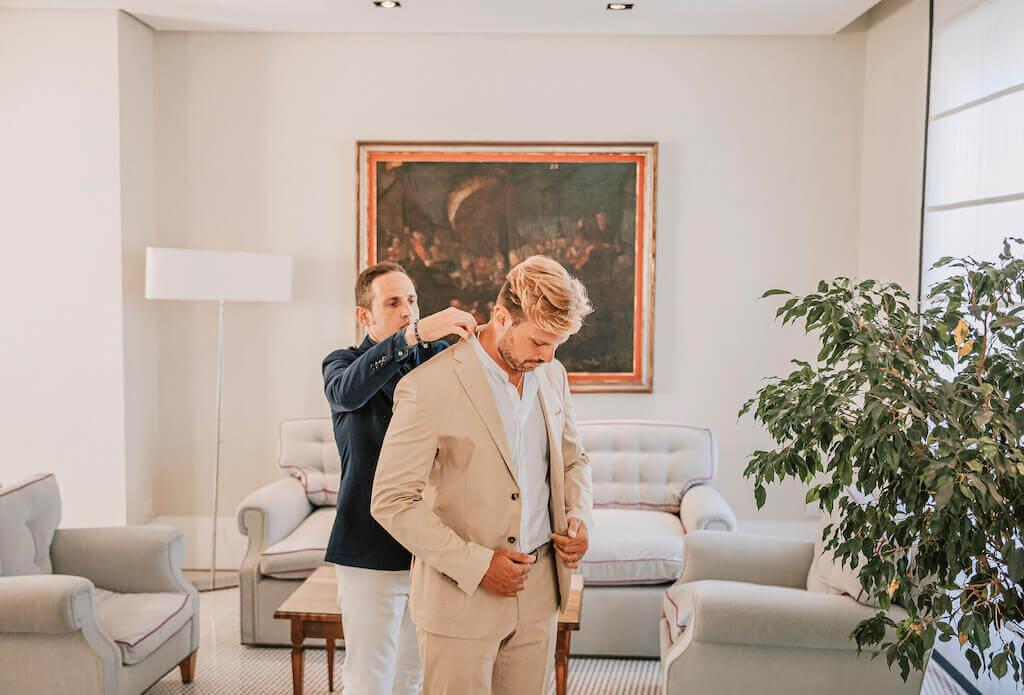 groom getting wedding ready
